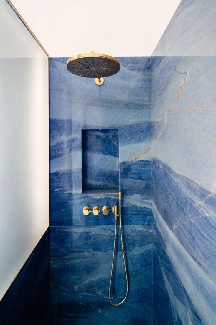 luxury malcabas bathroom