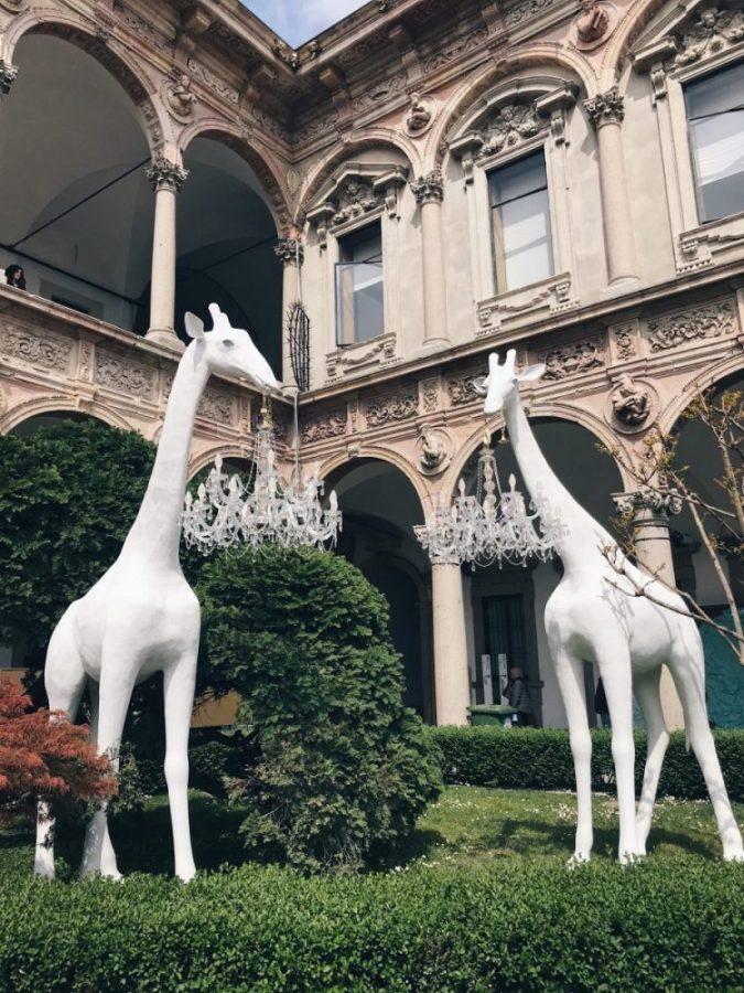 Qeeboo - Giraffe in love. Photo by Dreams&design